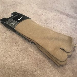 NWT-Unisex Athletic Rift Knee High Socks